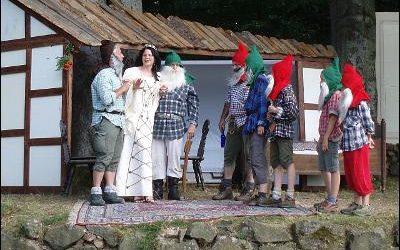 17 Augustus toneeluitvoering Sneeuwwitje in Bergfreiheit